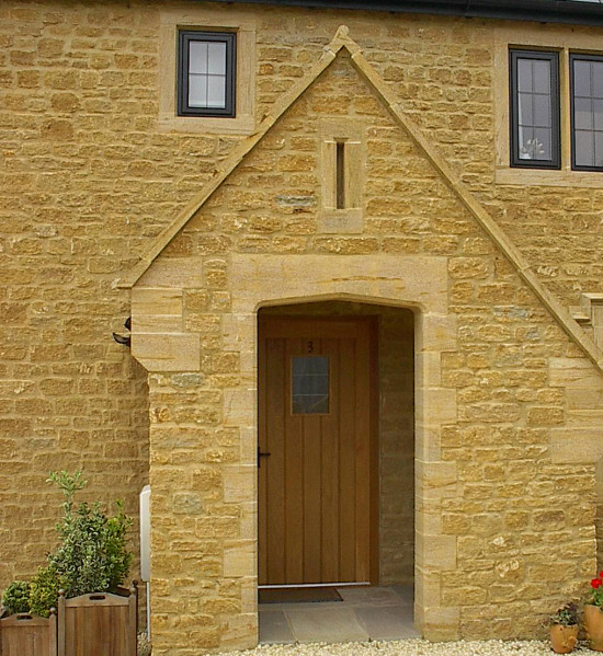 Golden Brown Limestone Cropped Walling