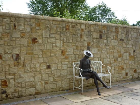 Sussex Wealden Hand Split Garden Walling