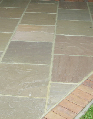 Verdi Sandstone Paving Calibrated